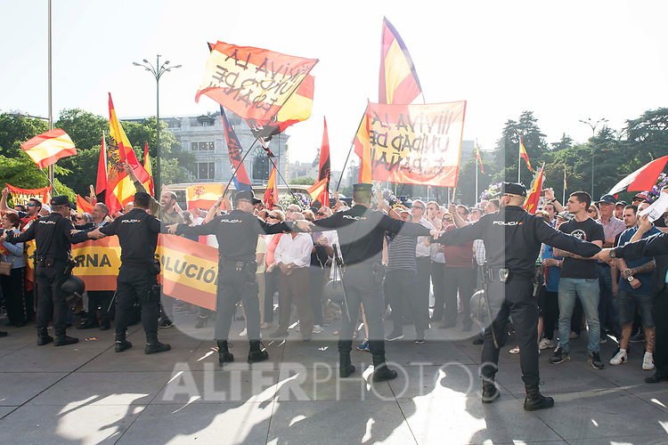 Protest in front of Madrid Town Hall during the president of Catalonia, Carles Puigdemont conference in Madrd,  May 22, 2017. Spain.<br /> (ALTERPHOTOS/BorjaB.Hojas)