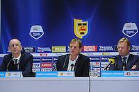 VOETBAL: CAMBUURSTADION: LEEUWARDEN: 03-11-2013, Cambuur-Feyenoord, uitslag 0- 2, Perschef Jan Schaafsma van Cambuur, Dwight Lodeweges, Ronald Koeman, ©foto Martin de Jong