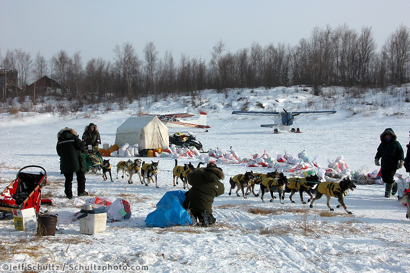 Jeff King pulls into Iditarod three minutes behind Martin Buser. Photo by Jon Little.