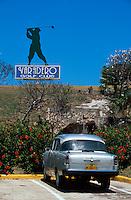 Oldtimer beim Golfplatz in Varadero, Cuba