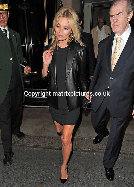 NON EXCLUSIVE PICTURE: PALACE LEE / MATRIXPICTURES.CO.UK<br /> PLEASE CREDIT ALL USES<br /> <br /> WORLD RIGHTS<br /> <br /> English model Kate Moss is pictured as she leaves The Dorchester, in London.<br /> <br /> SEPTEMBER 20th 2013<br /> <br /> REF: LTN 136255