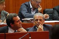 il sindaco di Napoli Luigi de Magistris con il vicesindaco Tommaso Sodano durante una seduta del consiglio comunale di napoli