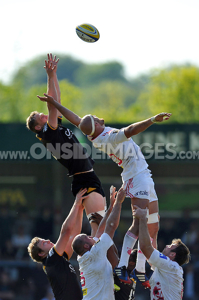Kearnan Myall competes with Scott Lavalla for the ball at a lineout. European Champions Cup play-off, between London Wasps and Stade Francais on May 18, 2014 at Adams Park in High Wycombe, England. Photo by: Patrick Khachfe / JMP