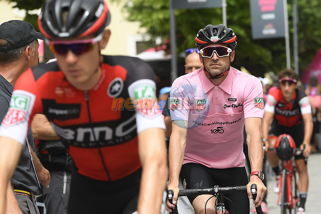 Actor and racing driver Patrick Dempsey guest of BMC Racing Team before the start of Stage 7 of the 100th edition of the Giro d'Italia 2017, running 224km from Castrovillari to Alberobello, Italy. 12th May 2017.<br /> Picture: LaPresse/Fabio Ferrari   Cyclefile<br /> <br /> <br /> All photos usage must carry mandatory copyright credit (&copy; Cyclefile   LaPresse/Fabio Ferrari)