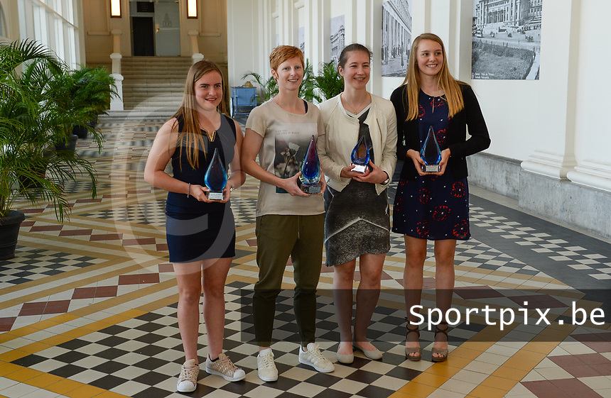 20170604 – OOSTENDE , BELGIUM : Best promising player Davinia Vanmechelen , Best player Lien Mermans , superleague topscorer Sanne Schoenmakers and Best goalkeeper Lisa Lichtfus (r) pictured during the 3nd edition of the Sparkle award ceremony , Sunday 4 June 2017 , in Oostende . The Sparkle  is an award for the best female soccer player in the Belgian Superleague and 1st division during the season 2016-2017 comparable to the Golden Shoe or Boot / Gouden Schoen / Soulier D'or for Men in Belgium . PHOTO SPORTPIX.BE   DAVID CATRY