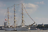 London, UK. 9 September 2014. Pictured: Polish tall ship Dar Mlodziezy. The Tall Ships that have taken part in the Royal Greenwich Tall Ships Festival 2014 leave Greenwich in a Parade of Sail down the River Thames.