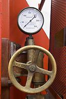 vertical basket press valve and pressure gauge domaine des amouriers gigondas rhone france