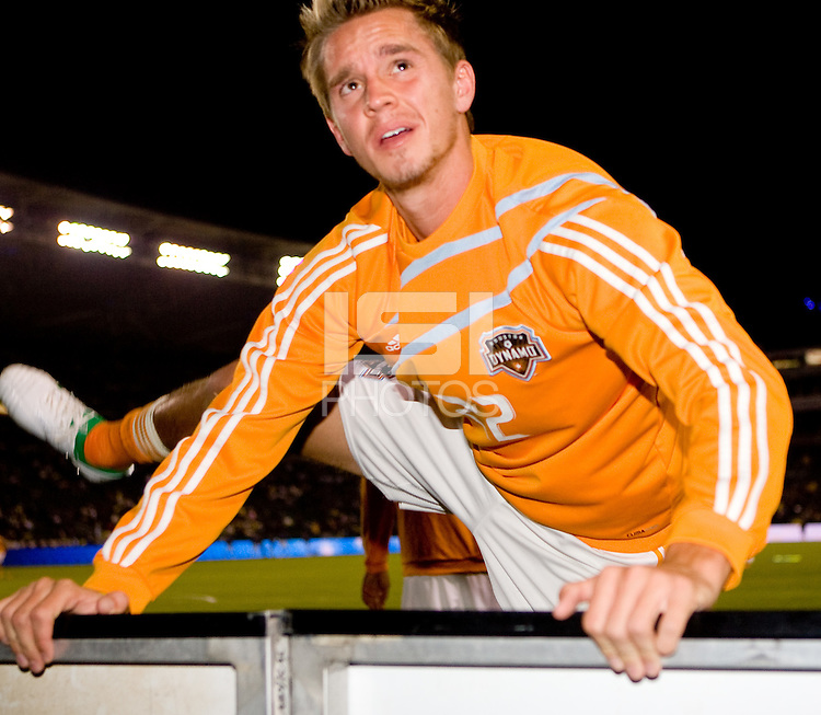 Houston Dynamo and USMNT midfielder Stuart Holden warms up prior to Western Conference Final. The LA Galaxy defeated the Houston Dynamo 2-1 to win the MLS Western Conference Final at Home Depot Center stadium in Carson, California on Friday November 13, 2009.....