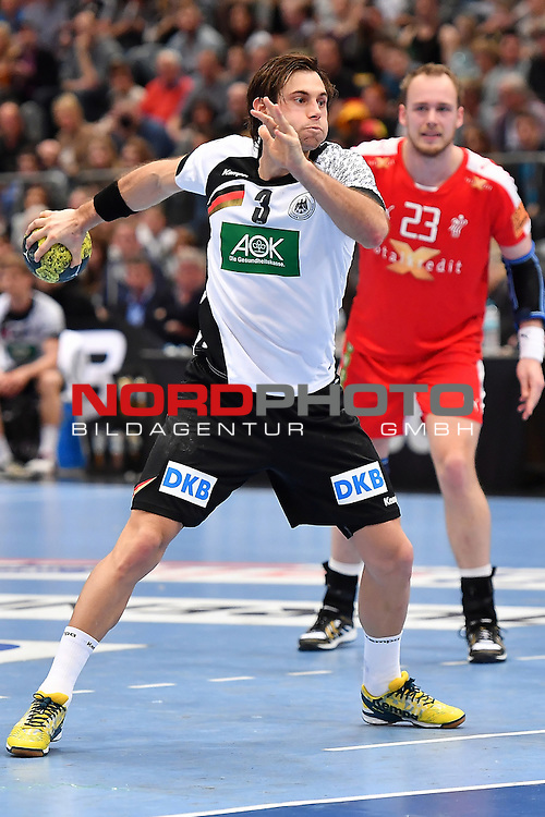02.04.2016, LANXESS arena, K&ouml;ln , GER, Handball DHB Testl&auml;nderspiel,   Deutschland (GER) vs. D&auml;nemark ( DK) <br /> <br /> im Bild / picture shows: <br /> 7 Meter Uwe Gensheimer ( Deutschland/Germany #3)<br /> <br /> <br /> <br /> Foto &copy; nordphoto / meuter