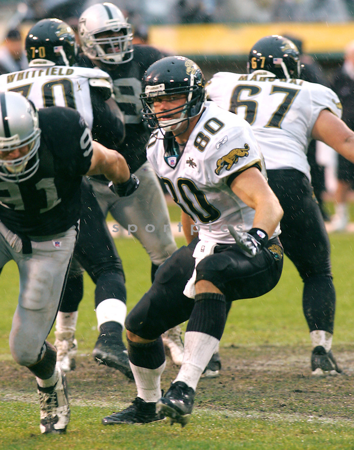 Kyle Brady, of the Jacksonville Jaguars against  the Oakland Raiders on 1/15/05..Jaguars lose 6-13..Rob Holt / SportPics