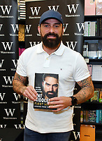 JUN 07 Ant Middleton booksigning