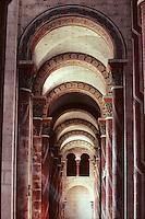 Europe/France/Auverne/63/Puy-de-Dôme/Issoire: L'abbatiale Saint-Austremoine - Bas côté de l'église Saint-Austremoine