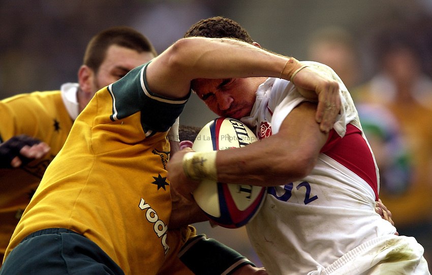 Photo. Richard Lane.England v Australia at Twickenham. 16-11-2002.Investec Challenge Cook Cup..Jason Robinson.