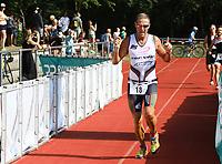 Gunter Volz (Pedalo Weiterstadt) kommt ins Ziel - Mörfelden-Walldorf 21.07.2019: 11. MoeWathlon