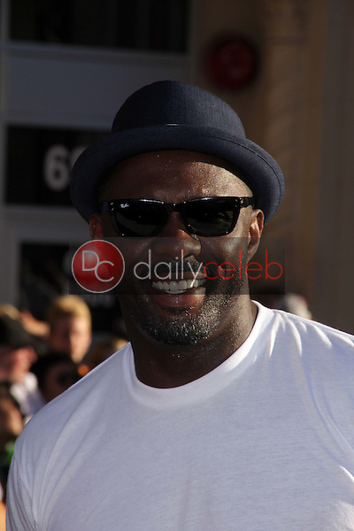 Idris Elba<br /> at the Los Angeles Premiere Of &quot;Captain America: The First Avenger,&quot; El Capitan, Hollywood, CA. 07-19-11<br /> David Edwards/DailyCeleb.com 818-249-4998