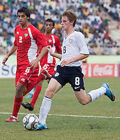 Alex Shinsky dribbles the ball. US Under-17 Men's National Team defeated United Arab Emirates 1-0 at Gateway International  Stadium in Ijebu-Ode, Nigeria on November 1, 2009.