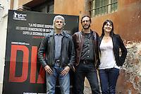 """Roma, 6 Aprile 2012.Photocall del film """"Diaz"""" .Il regista Daniele Vicari , il produttore Domenico Procacci e la sceneggiatrice Laura Paolucci"""