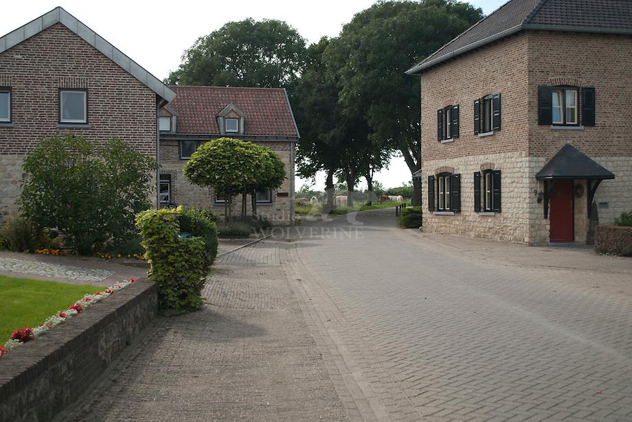 Huizen in bak- en kunradersteen, Colmont,  Zuid-Limburg