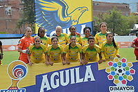 MEDELLIN - COLOMBIA, 15-09-2019: Jugadoras del Huila posan para una foto previo al e partido por la semifinal vuelta entre Deportivo Independiente Medellín y Atlético Huila como parte de la Liga Femenina Águila 2019 jugado en el estadio Polideportivo Sur de la ciudad de Medellín. / Players of Huila pose to a photo prior Match for the second leg semifinal between Deportivo Independiente Medellin and Atletico Huila as part Aguila Women League 2019 played at Polideportivo Sur stadium in Medellin city. Photo: VizzorImage / Leon Monsalve / Cont