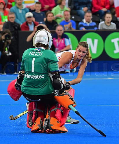 30.08.2015. Lea Valley, London, England. Unibet EuroHockey Championships Day 10. Gold Medal Final. England versus Netherlands. Maddie Hinch (ENG) saves the goal from Netherlands Marloes Keetels (NED)