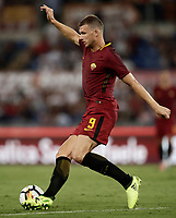 Calcio, Serie A: Roma, stadio Olimpico, 26 agosto, 2017.<br /> Roma's Edin Dzeko in action during the Italian Serie A football match between Roma and Inter at Rome's Olympic stadium, August 26, 2017.<br /> UPDATE IMAGES PRESS/Isabella Bonotto