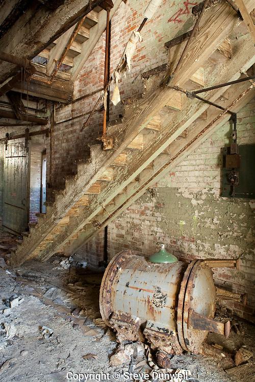 abandoned mill, Platts Mills, s. of Waterbury, CT