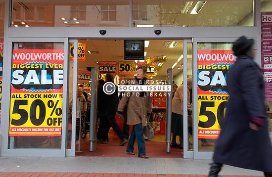 Woolworths closing down sale; Broad Street; Reading; Dec, 2008 UK