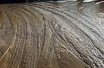 ROTTERDAM - Slecht weer en regen hebben van de bouwplaats van een woningbouwporject een modderig gehee gemaakt. COPYRIGHT TON BORSBOOM