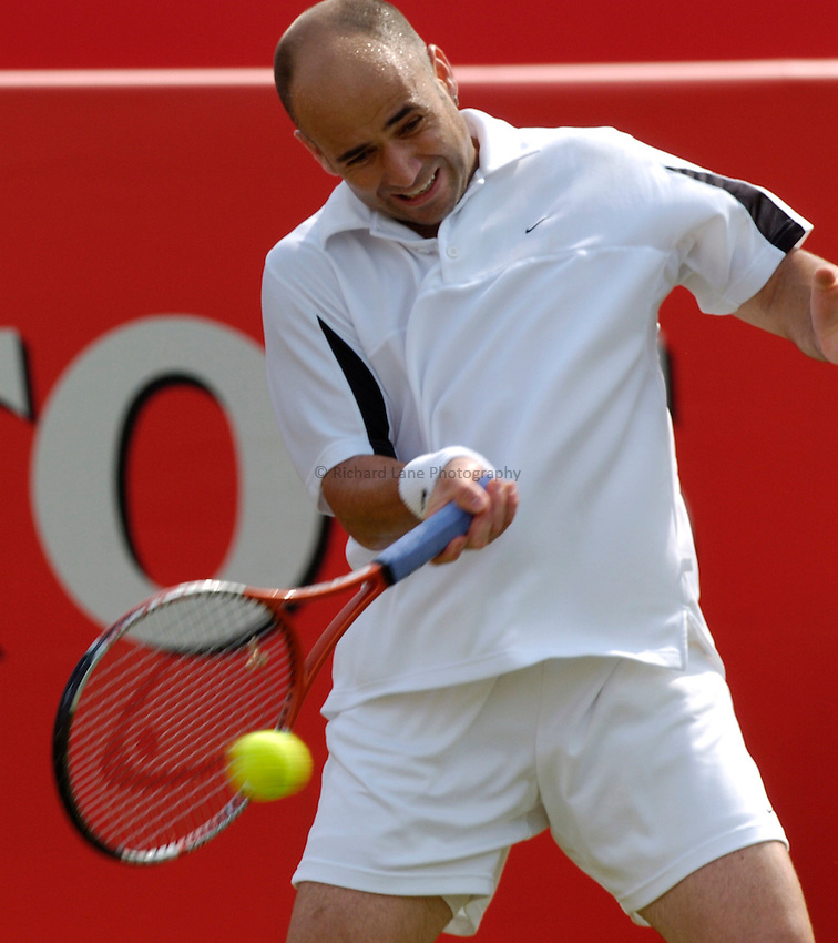 Photo: Richard Lane..The Stella Artois Championship at Queens. 08/06/2004..Andre Agassi