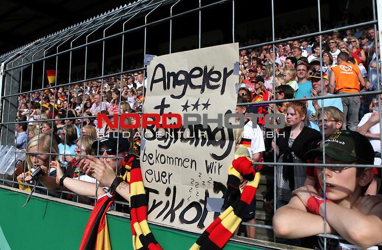03.06.2011, Osnatel Arena, Osnabrueck, GER, WM 2012 FSP,  Deutschland (GER) vs Italien (ITA), <br /> im Bild deutsche Fans fragen per Plakat nach den Trikots von Angerer und Bajramaj  during the WM 2011 Friendly Game, Germany vs Italy, at Osnatel Arena, Osnabr&uuml;ck, 2011-06-03, <br /> Foto &copy; nph / Hessland *** Local Caption ***