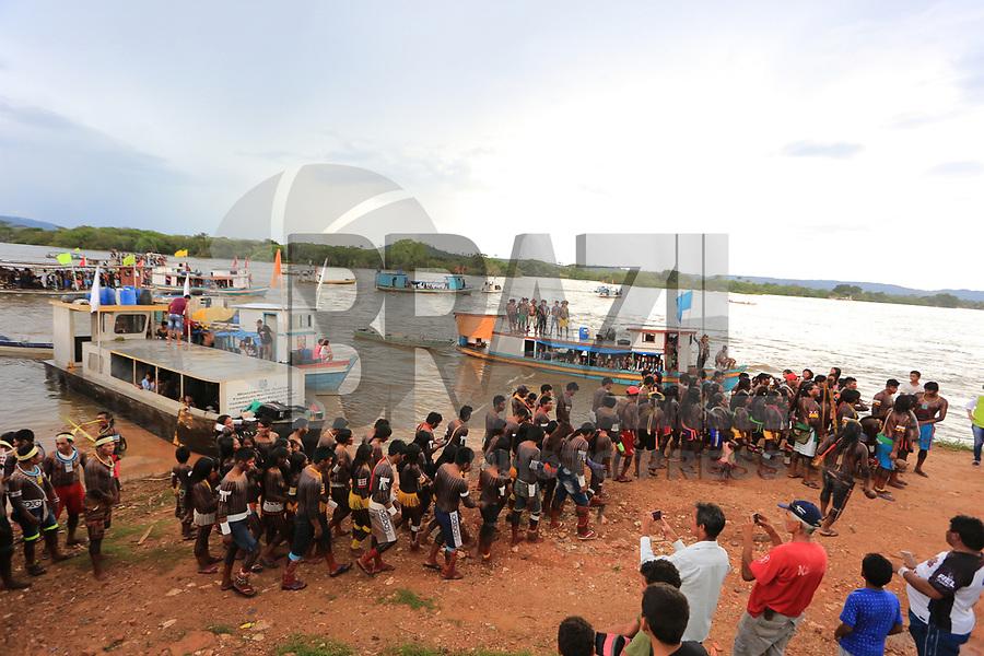 SÃO FÉLIX DO XINGU, PA, 15.04.2017 - POVOS-INDÍGENAS - Indigenas de diversas etinias chegam para a Semana dos Povos Indígenas em São Félix do Xingu no sudeste do Pará neste sábado, 15. Durante cinco dias, a Semana dos Povos Indígenas contará com uma programação ampla que inclui danças típicas, jogos, ações de cidadania e saúde, seminários e palestras, além de caminhadas sobre os direitos indígenas. As atividades se concentrarão na Câmara Municipal e na Quadra do Teoria. (Foto: Wesley Costa/Brazil Photo Press)