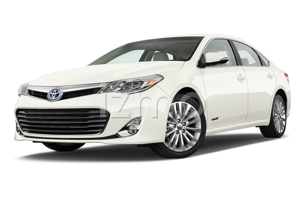 Low aggressive front three quarter view of a  2013 Toyota Avalon Sedan Limited