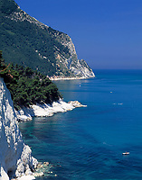 ITA, Italien, Marken, Klippen an der Riviera del Conero | ITA, Italy, Marche, cliffs at Riviera del Conero