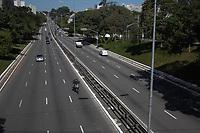 São Paulo (SP), 11/05/2020 - Trânsito-SP - Transito na Avenida 23 de Maio no centro de São Paulo, nesta segunda - feira (11) que teve início o rodízio ampliado na capital.