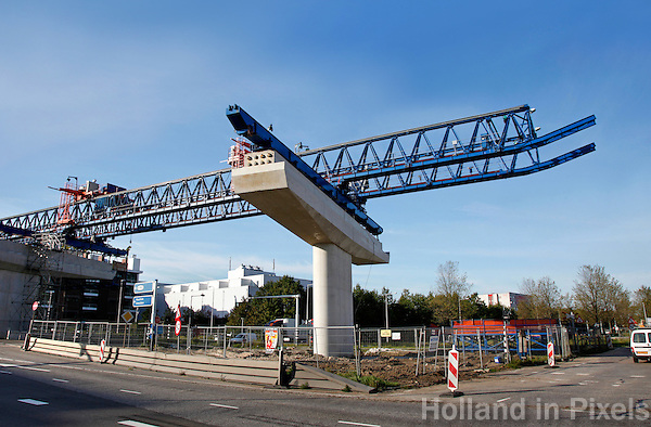 Bouwen van een fly-over in Amsterdam