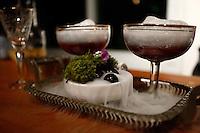 """SAO PAULO, SP, 28.10.2013. CAMPEONATO VIVE LA REVOLUTION - VODKA GREY GOOSE. Coquetel apresentado durante a seletiva regional do campeonato de coquetelaria """"Vive la Revolucion"""" promovido pela marca de vodka francesa Grey Goose. Gisele foi o terceira colocada da etapa São Paulo entre vinte e dois candidatos. O tema deste ano foi """"Revolução dos Sabores"""". Os candidatos deveriam criar um ingrediente artesanal para compor seu drink. (Foto: Adriana Spaca/ Brazil Photo Press)"""