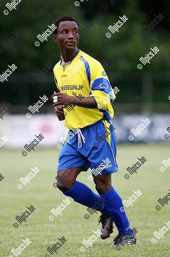 2008-08-05 / Voetbal / Seizoen 2008-2009 / K Wuustwezel FC / Ray Mensah..Foto: Maarten Straetemans (SMB)