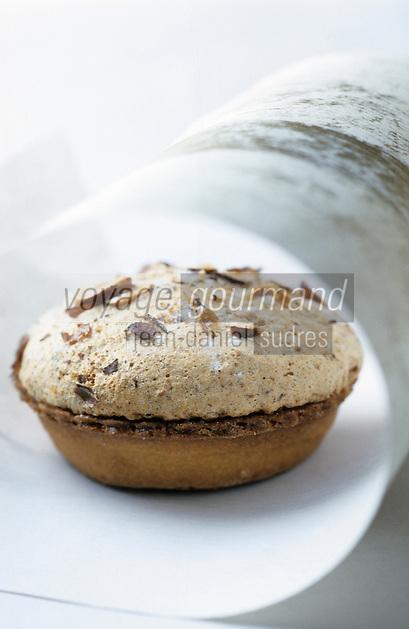 """Europe/France/Rhône-Alpes/74/Haute-Savoie/Megève: Megevan - Gateau à la confiture de framboise de la pâtisserie """"Socquet-Clerc"""""""
