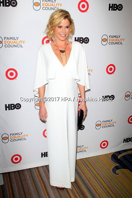 LOS ANGELES - MAR 11:  Julie Bowen at the Family Equality Council's Annual Impact Awards at the  Beverly Wilshire Hotel on March 11, 2017 in Beverly Hills, CA
