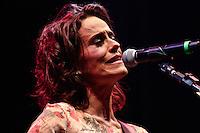 SÃO PAULO, 01 de SETEMBRO, 2012 - FESTIVAL NOVA BRASIL FM - Zelia Duncan no Terceira  Edicao do Festival Nova Brasil FM - grandes nomes da MPB na Arena Anhembi, nesse sabado, 01- FOTO LOLA OLIVEIRA - BRAZIL PHOTO PRESS