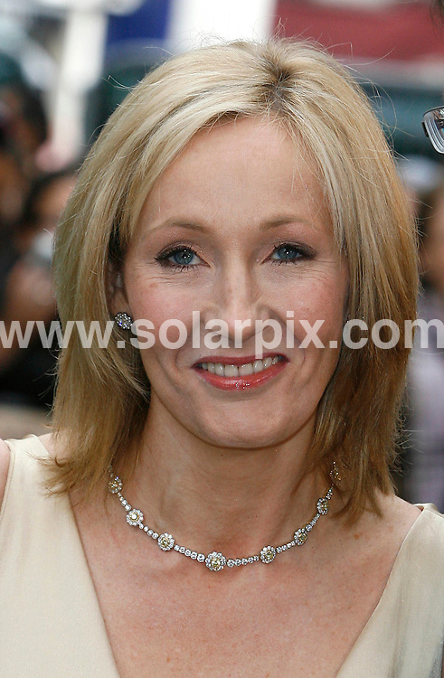 **ALL ROUND PICTURES FROM SOLARPIX.COM**.JK Rowling.UK Premiere of Harry Potter and the Order of the Phoenix at the Odeon Leicester Sq in Londons West End..JOB REF:  4211   SSD     DATE: 03.07.07.**MUST CREDIT SOLARPIX.COM OR DOUBLE FEE WILL BE CHARGED* *UNDER NO CIRCUMSTANCES IS THIS IMAGE TO BE REPRODUCED FOR ANY ONLINE EDITION WITHOUT PRIOR PERMISSION*