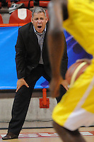 PARTIDO DE BALONCESTO ENTRE LOS EQUIPOS ACADAMIA DE LA MONTAÑA Y BUCAROS .EL DT JOSE DIGONET DE LOS BUCAROS .FOTO LUIS RIOS MEDELLÍN -COLOMBIA-01-04-2013.José Dilone entrenador de Búcaros gesticula durante partido de la fecha 21 de la Liga Direct TV de baloncesto Profesional de Colombia 2013./ Jose Dilone Bucaros coach gestures during the game of the date 21 of DirecTV professional basketball League 2013 in Colombia.  Photo:VizzorImage/Luis Ríos/STR