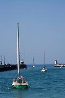 Europe/France/Aquitaine/40/Landes/Capbreton: les phares et voiliers au sortir d port