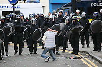 PH: Rick Findler..08.08.11 Youths and police clash in Hackney today as riots spread across the whole of London including Croydon and Clapham.
