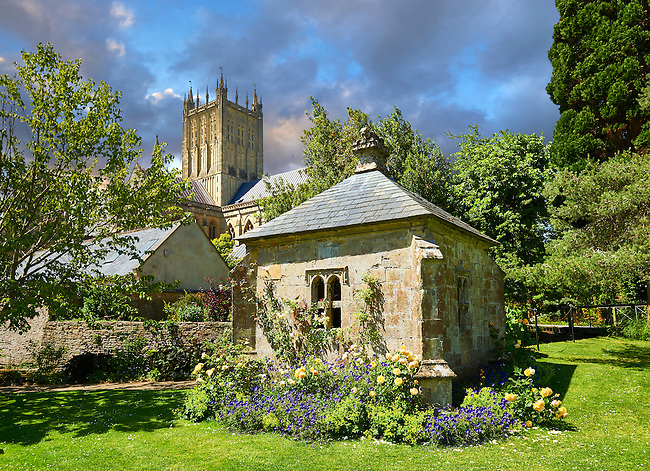 Gardens of the Bishops Palace of the the medieval Wells Cathedral built in the Early English Gothic style in 1175, Wells Somerset, England