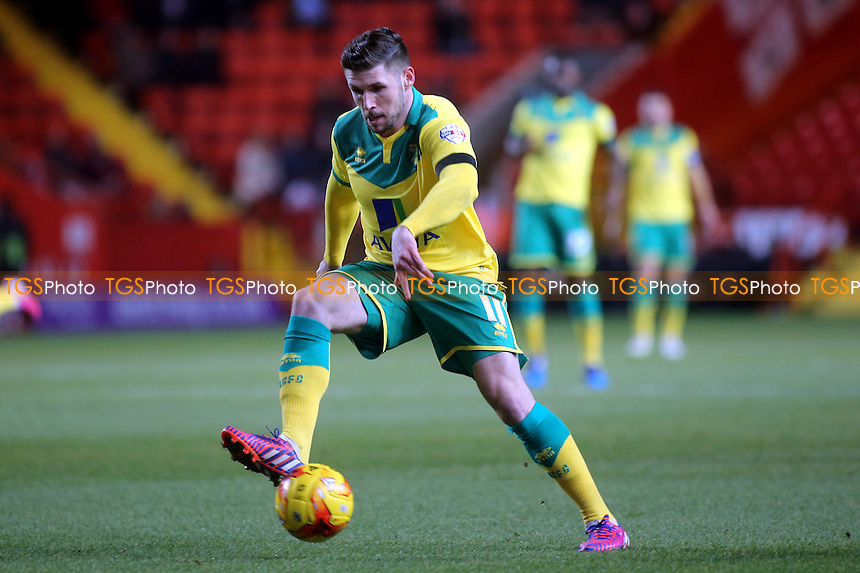 Gary Hooper of Norwich in action - Charlton Athletic vs Norwich City - Sky Bet Championship Football at the Valley, London - 10/02/15 - MANDATORY CREDIT: Paul Dennis/TGSPHOTO - Self billing applies where appropriate - contact@tgsphoto.co.uk - NO UNPAID USE