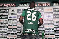 SÃO PAULO,SP,01.07.2016 - FUTEBOL-PALMEIRAS - O zagueiro Mina é apresentado na Academia de Futebol, na Barra Funda zona oeste de São Paulo, na tarde desta sexta-feira (01). (Foto: Marcio Ribeiro / Brazil Photo Press)
