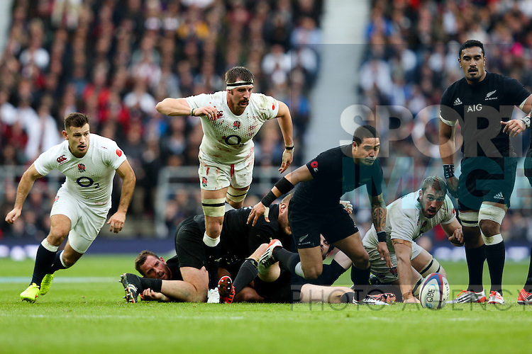 England's Tom Wood chases a loose ball - QBE Autumn Internationals - England vs New Zealand - Twickenham Stadium - London - 08/11/2014 - Pic Charlie Forgham-Bailey/Sportimage