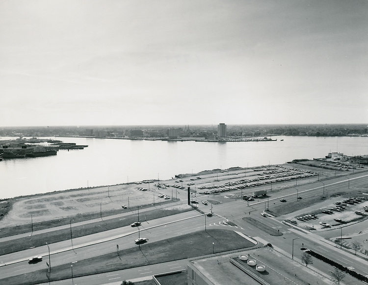 1973..Redevelopment...Downtown South (R-9)..Norfolk Waterfront looking S toward Portsmouth..HAYCOX PHOTORAMIC INC..NEG#..