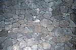 Dry masonry wall built of lava<br /> <br /> Muro de piedra seca construido de lava<br /> <br /> Trockenmauer aus Lavagestein<br /> <br /> 1835 x 1200 px<br /> Original: 35 mm slide transparancy